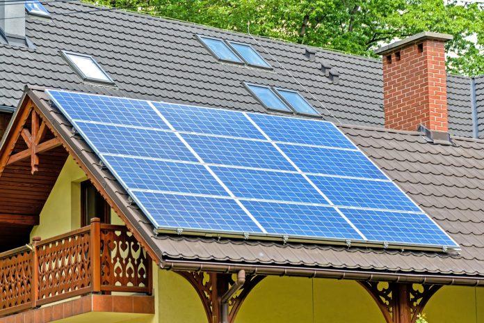 במקום חשבון החשמל: הדרך האידאלית לחסוך עלויות
