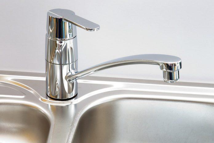 כיצד נגרמת סתימה בכיור ואיך מטפלים?